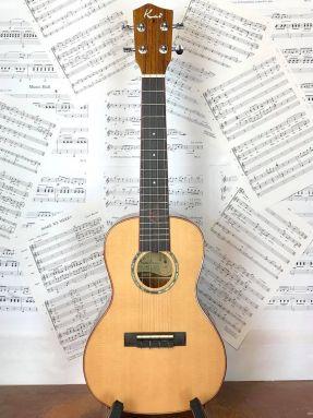 Kai KCI-700 Concert Ukulele Solid Cedar Top Gloss with gigbag
