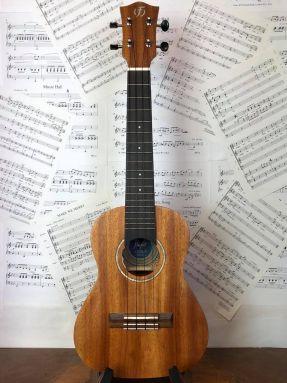 Flight Antonia CE Solid Mahogany Top Concert Electro Acoustic Ukulele w/Gigbag