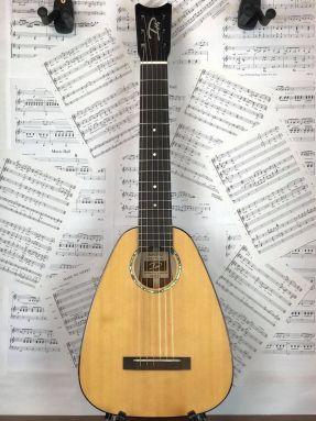 Romero Creations DH6-SM Daniel Ho Baritone Guitalele Guilele Solid Spruce/Mahogany