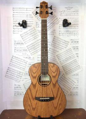 Lanikai OA-EBU Figured Oak Electric Ukulele Bass w/Padded Gigbag
